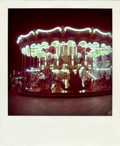 merry-go-round-pola01